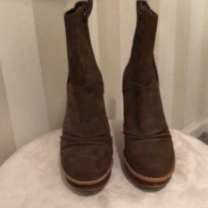 Brown suede ugg high heel boot